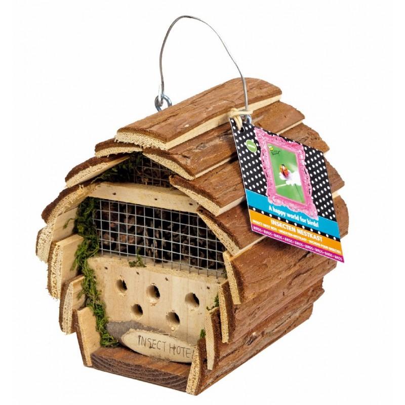 maison à insectes toit en écorce
